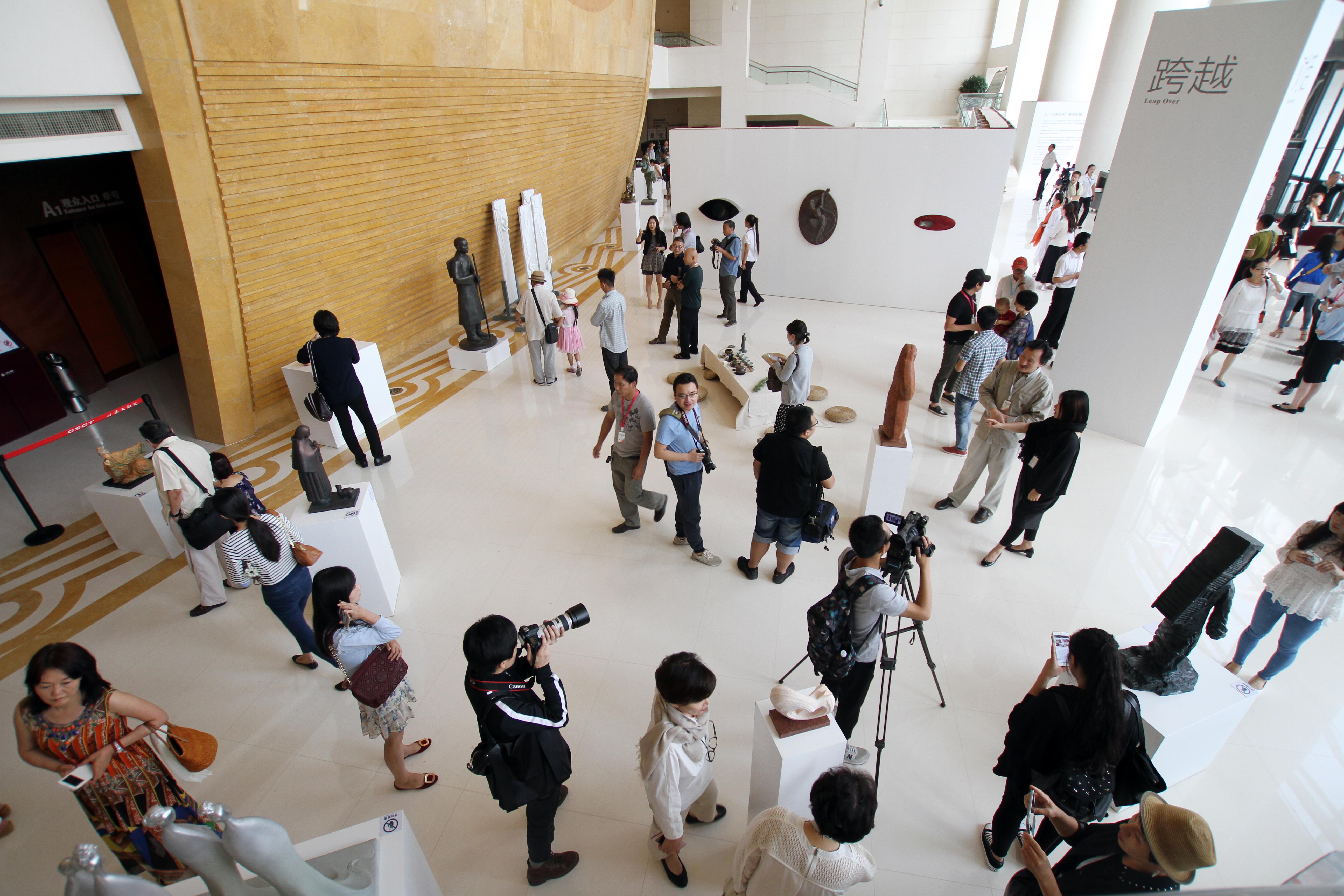 丝路之光 2015兰州中韩雕塑邀请展 (1)